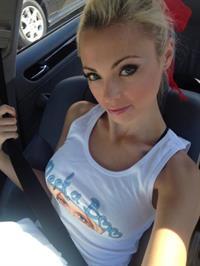 Katja Glieson taking a selfie