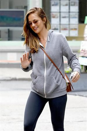 Minka Kelly New York City subway platform 4/5/2012