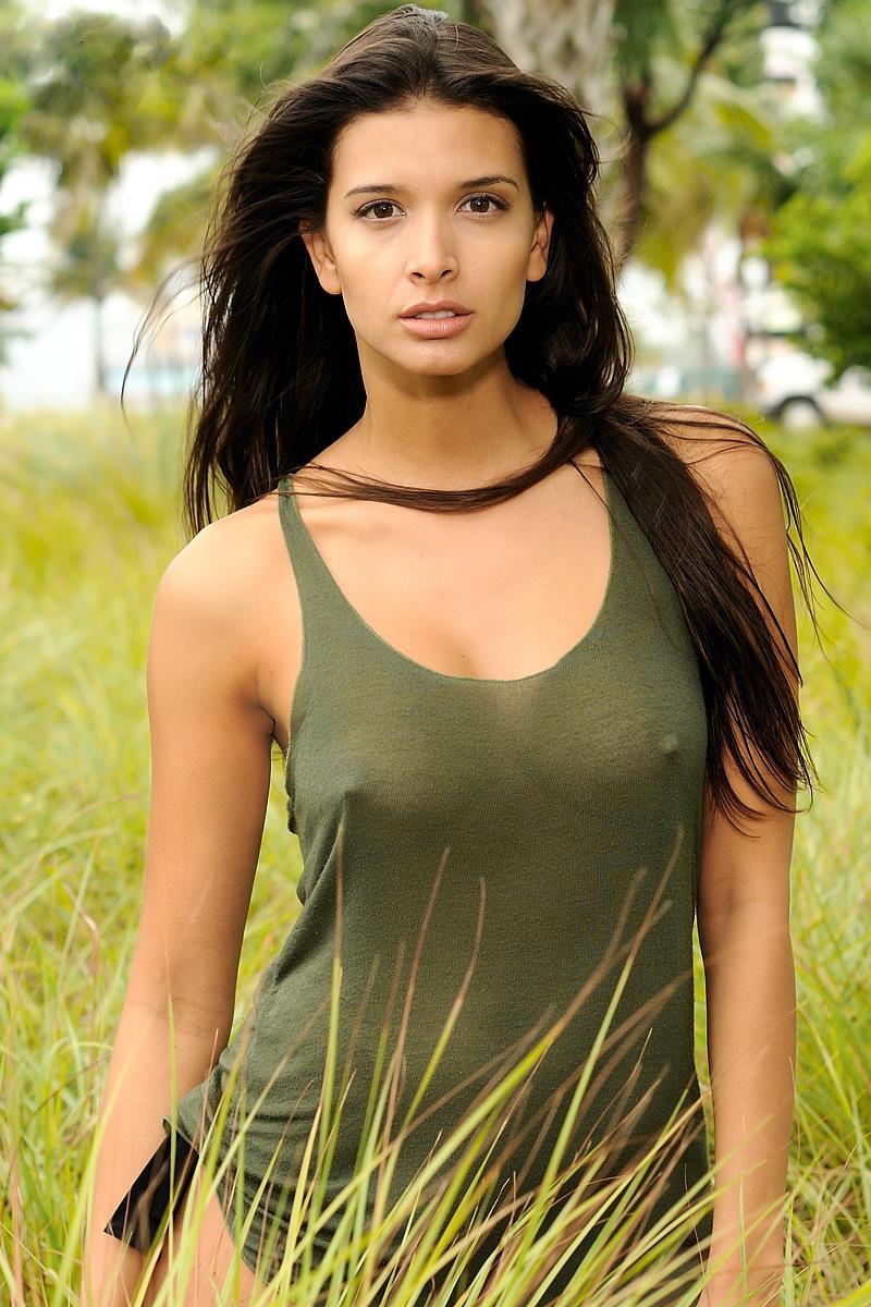 Carolina Betancourth - breasts