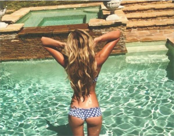 Paulina Gretzky in a bikini - ass