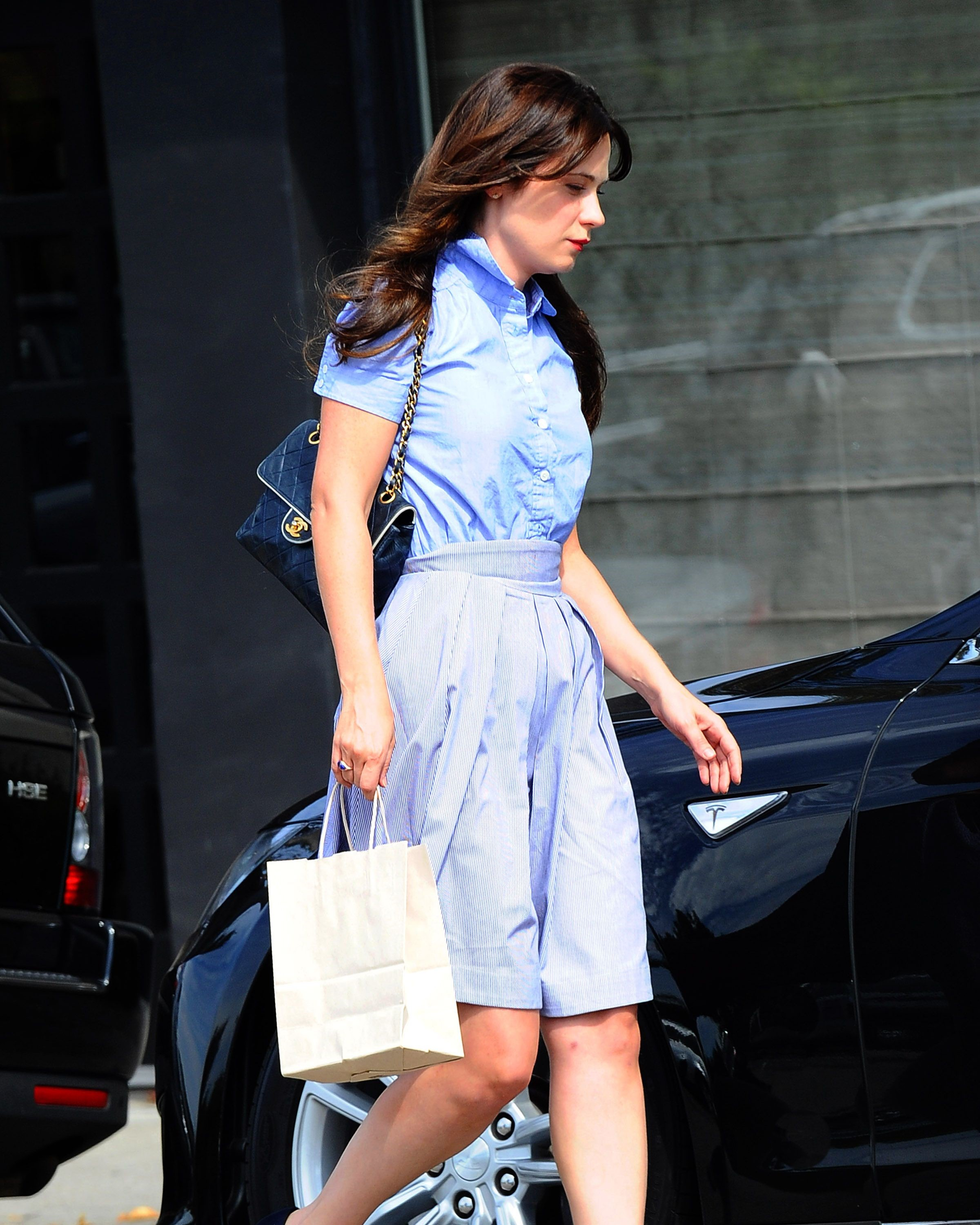 Zooey Deschanel leaves Neil George Salon July 30, 2014
