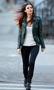 """Victoria Justice – """"Eye Candy"""" set in New York 11/13/13"""