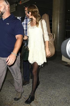 Taylor Swift – LAX arrival 10/22/13