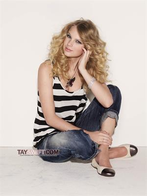 Taylor Swift - Glamour 2009/2010 by Matthias Vriens