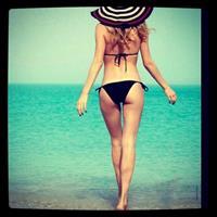 Doutzen Kroes in a bikini - ass