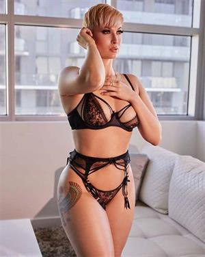 Zahra Elise Lingerie Pictures Are Just What The Doctor Ordered
