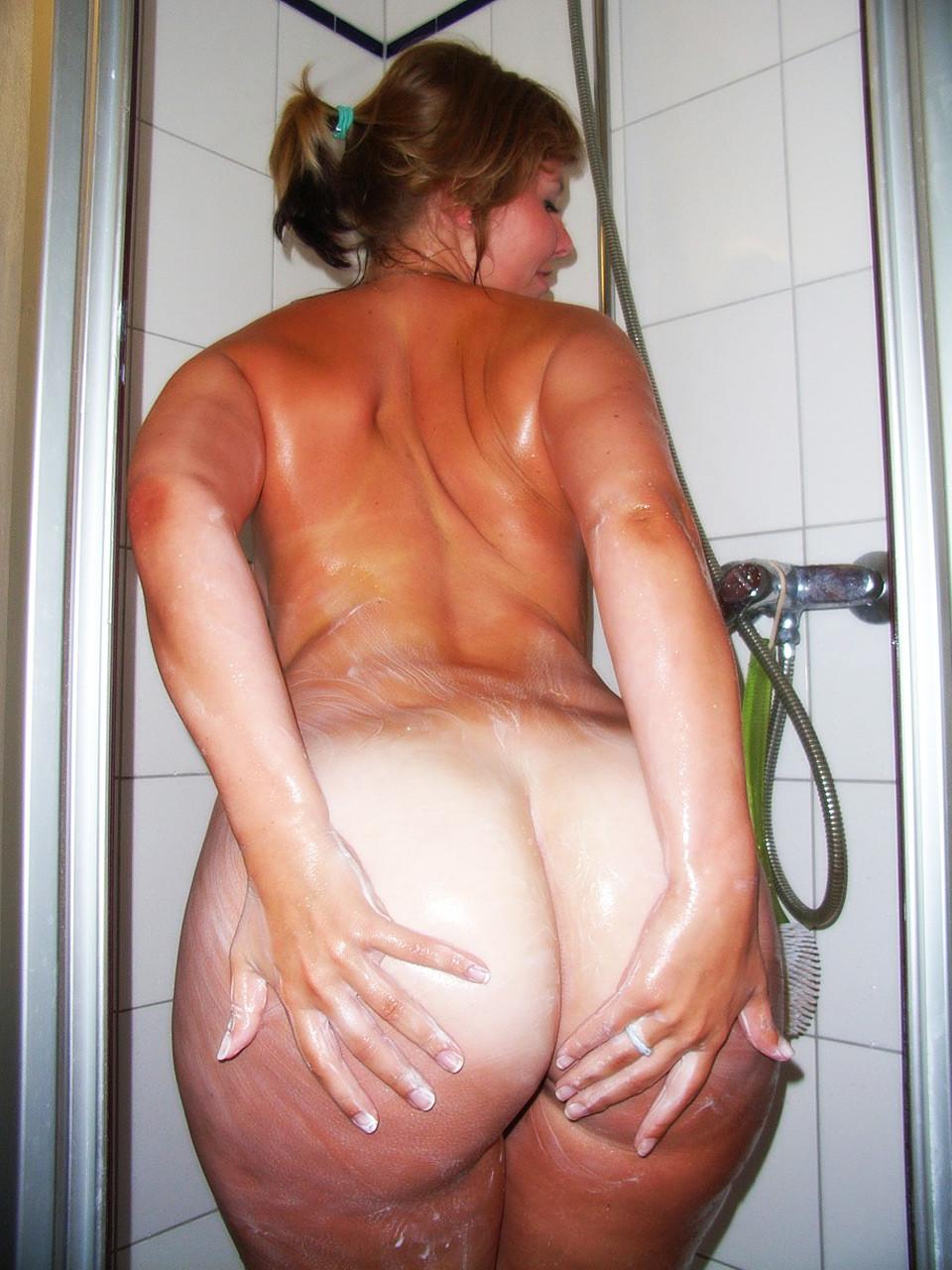 Большая попка фото душ — img 4