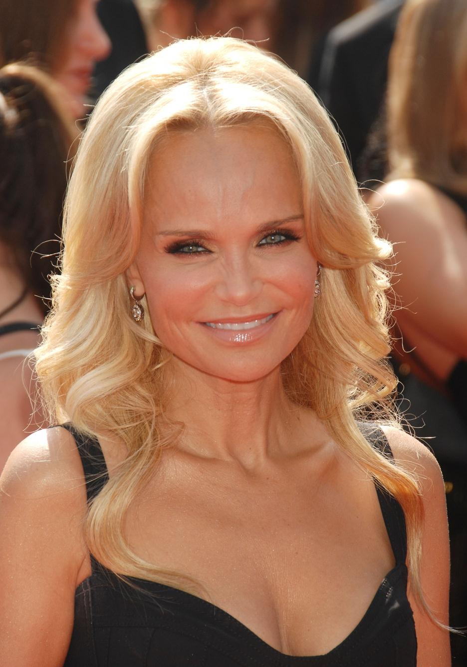 Kristin Chenoweth Pictures Rating