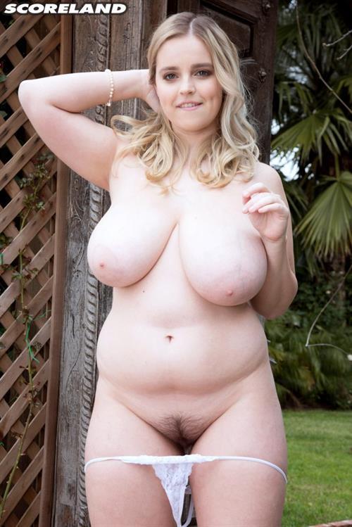 Codi Vore Nude - 22 Pictures Rating 77910-4683