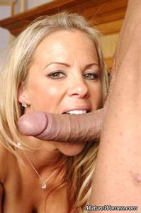 Kayla Synz Porn