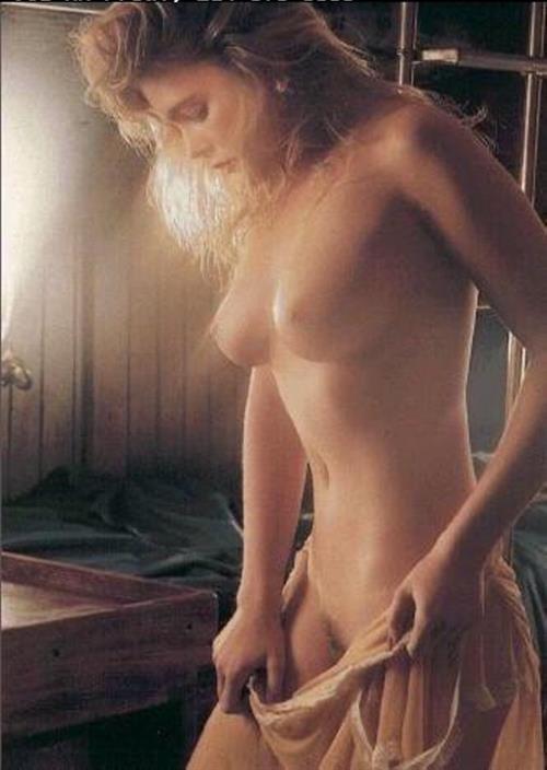 Erika Eleniak Nackt