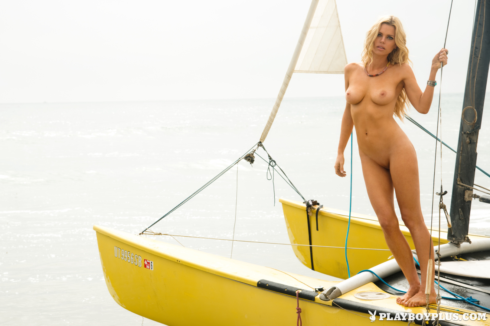 #TheFappening - FREE leaked Nude Celebrities pics videos