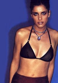 Amanda Peet in lingerie