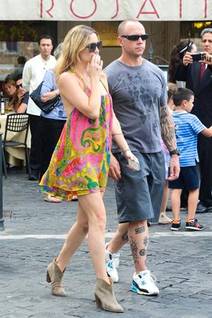 Kate Hudson Sightseeing tour & lunch at Dal Bolognese, Rome, on June 7, 2013