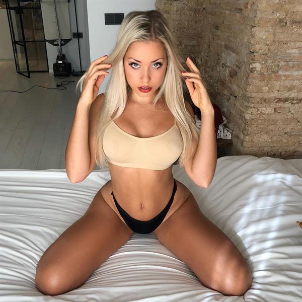 Paola Skye