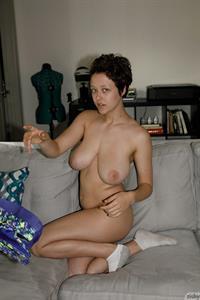 Sabrina Nichole Works Out