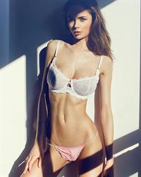 Jana Jung in lingerie
