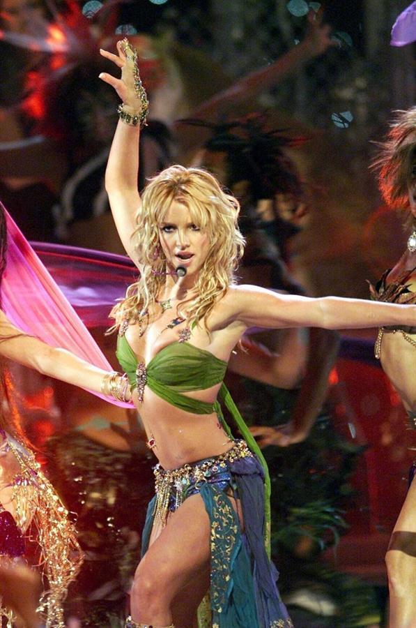 Britney spears satisfaction oops i did it again - 1 10