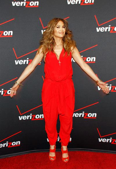 Jennifer Lopez Verizon Wireless meet Jennifer Lopez Flyaway Contest in Santa Monica on January 26, 2013