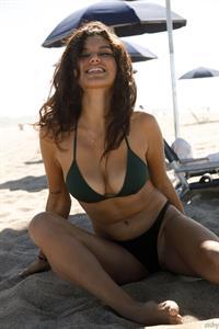 Nalani Dacus Beach Babe