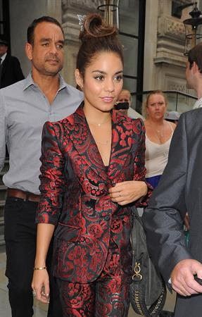 Vanessa Hudgens Arriving at the Apple Store in London, July 16, 2013