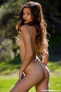 Alex De La Flor gets naked in nature to get a ride