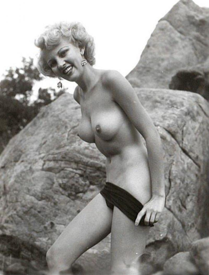 Naked barbara eden Slice of