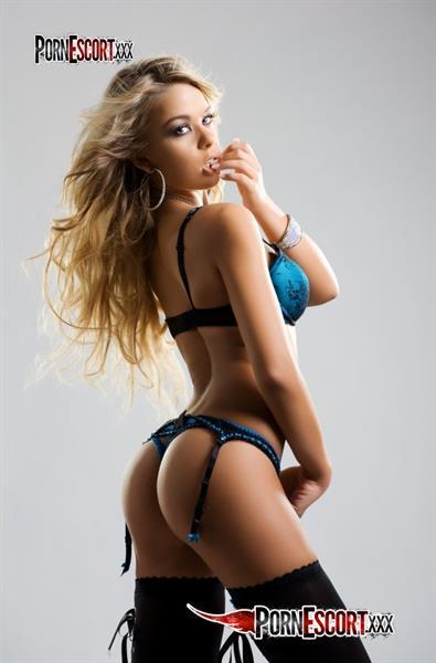 Carmen in lingerie - ass