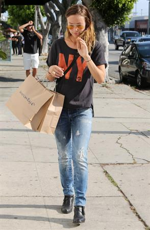 Olivia Wilde shopping in Los Angeles - June 1, 2013