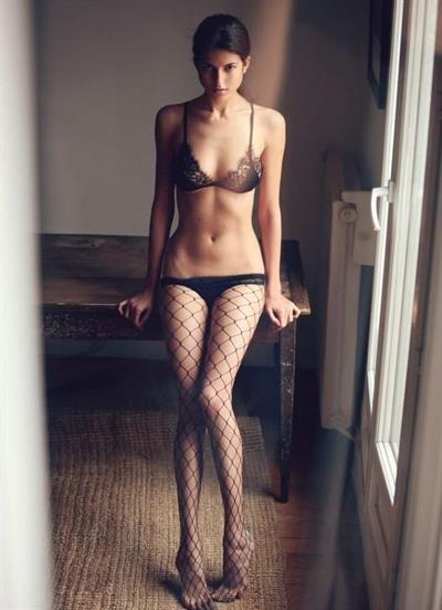 Ema Simurda in lingerie