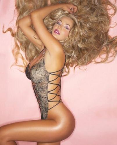 Valeria Marini in lingerie