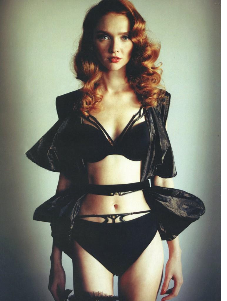 Natalya Piro in lingerie