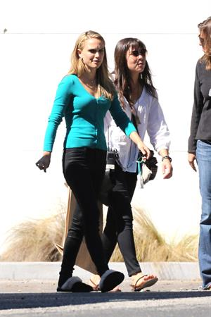Natalie Portman on the set of a Terrence Malick film in Austin 10/19/12